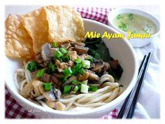 INDONESIAN FOOD: MIE AYAM JAMUR/ Chicken mushrooms noodle