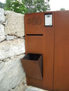 Briefkasten aus Cortenstahl # mailbox mailbox made of corten steel Dog Fence, Front Yard Fence, Fenced In Yard, Horse Fence, Farm Fence, Fence Art, Fence Doors, Fence Panels, Building A Fence