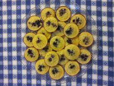 Mini muffin con miele e marmellata di mirtilli di bosco http://ericaswelt.blogspot.it/2014/09/mini-muffin-con-miele-e-marmellata-di.html # muffin #Poloplast