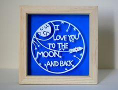 Je t'aime à la lune et retour de découpage du papier. Cadeau de Saint Valentin