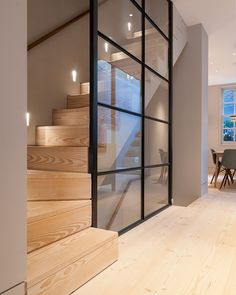We really think the Douglas floor and stair treads help create a nice and calm contrast against the steel-framed glass wall in this London… Modern Staircase, Staircase Design, Staircase Ideas, Hallway Ideas, Staircase Glass, Stair Design, Staircase Remodel, Staircase Makeover, Modern Hallway