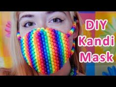 Learn to make your own colorful bracelets of threads or yarn. As fun for beginners as it is to intermedates. Get inspiration. Rave Bracelets, Pony Bead Bracelets, Pony Beads, Friendship Bracelets, Kandi Mask Patterns, Kids Craft Storage, Pony Bead Crafts, Rave Mask, Rave Gear