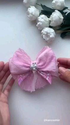 Diy Lace Ribbon Flowers, Diy Ribbon, Ribbon Crafts, Fabric Flowers, Ribbon Hair Bows, Tulle Hair Bows, Tulle Crafts, Tulle Tutu, Handmade Hair Bows
