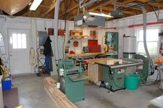 http://www.thephotoforum.com/forum/off-topic-chat/124998-my-woodworking-shop-now-set-up.html