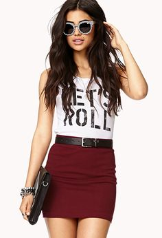 This isn't an outfit that I would usually go for, but it caught my eye! It looks great ❤️ Maroon Skirt, Burgundy Skirt, Burgundy Outfit, Mini Pencil Skirt, Pencil Skirt Outfits, Teen Fashion, Love Fashion, Fashion Outfits, Fashion Skirts