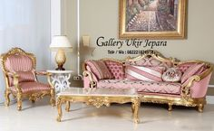 set kursi sofa mewah   kursi sofa ini diproduksi oleh pengrajin mebel kursi jepara yang telah berpengalaman dibidangnya selama bertahun-tahun dan diukir dengan sistem handmade yang menjadikan ukirannya lebih rapi dan halus