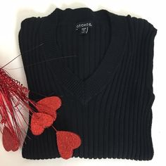 George V-Neck Sweater Size 0-2 long sleeve ribbed sweater in great condition. George Sweaters V-Necks