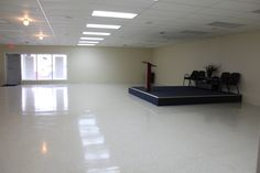 nice large open space. call 217-791-6406 for renting options