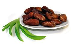 VEGA Dates are a delicious and healthy alternative to sweets! In the orient, the use of date palms can be traced back several millenia. Due to the high nutritious value, dates are also called 'Bread of the Desert'. They are the berries of the date palm and taste pleasantly sweet and honey-like. They are the perfect replacement for sweets of any kind because apart from their exotic flavour, they provide many kinds of nutrients and vitamins.   Dates belong to the fruits which are richest in… Healthy Alternatives, Palms, Almond, Vitamins, Exotic, Berries, Deserts, Honey, Sweets