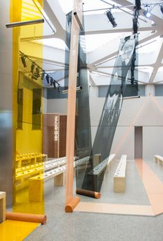 Formafantasma's catwalk for Sportmax emerges from PVC film and terracotta matrix - News - Frameweb