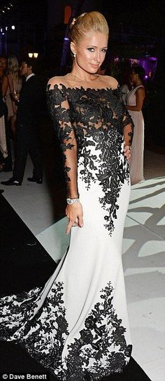 buy :151$  >>>>  2014 Sexy Sheer Long Sleeves Black White Evening Dresses Mermaid Lace Court Train Celebrity Red Carpet Prom Gowns BO6607
