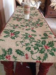Holly leaf burlap table runner, burlap table runner, thanksgiving decor Country Christmas Trees, Rustic Christmas, Christmas Crafts, Thanksgiving Decorations, Christmas Decorations, Farmhouse Style, Farmhouse Decor, Burlap Projects, Burlap Table Runners