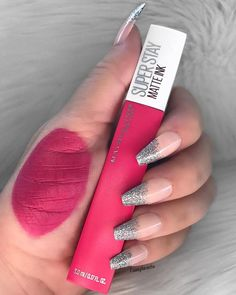 What Are The Best Lipstick Colors for Dark Skin? Maybelline Matte Lipstick, Mac Lipstick Shades, Best Lipstick Color, Best Lipsticks, Lipstick Colors, Lip Colors, Batons Matte, Lipstick Designs, Makeup Swatches