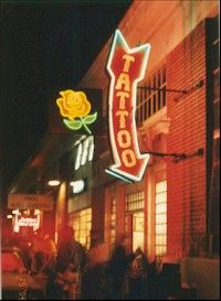 The neon Tattoo sign and the neon rose were fabricated and installed on Street in San Francisco for a Foster Farms commercial. Neon Tattoo, Tattoo Art, Foster Farms, Tattoo Inspiration, Design Inspiration, Chalk Wall, Tattoo Signs, Arrow Signs, Neon Glow