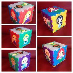 Samen met dochterlief gemaakt. Gebaseerd op bubble gummy pixel art creations  Disney princesses hama beads box