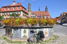 Marktplatz, Feuchtwangen, Bavaria//David Haettenschw...