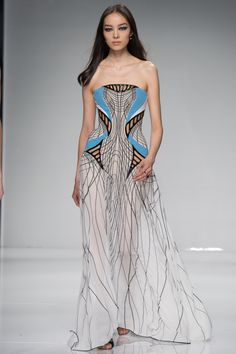 Fei Fei Sun at Versace Spring 2016 Couture