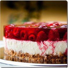#Cheesecake de #frambuesas. http://amantesdelacocina.com/cocina/2012/03/torta-de-queso-con-frambuesas/