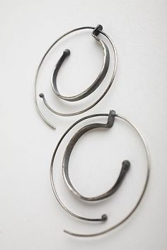 #Hammered Spiral Hoops: Monique Rancourt #Fashion #Nice #Pretty #Earrings www.2dayslook.com