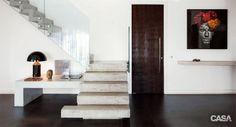 Quem não gostaria de morar em um apartamento de dois patamares? Confira esta seleção de projetos já publicados em nosso site