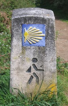 Waymarker for El Camino, the centuries old pilgrims' footpath across Spain to Santiago de Compostela, the busiest pilgrimage site in medieval Europe. Coquille St Jacques, The Camino, Saint James, Spain And Portugal, Canary Islands, Places To See, Spirituality, Photos, Travel