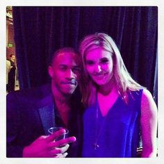 Maggie Grace and Malcolm David Kelley Shannon and WAAAAAALT reunited!!!! #LOST #paleyfest