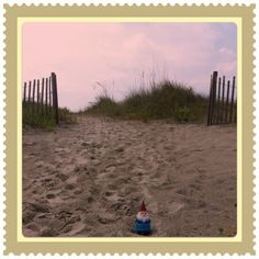 Gnomeson & The Footprints in the Sand