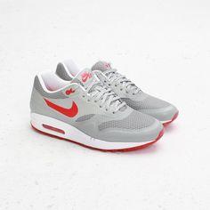 d344ade0733f CNCPTS   Nike Womens Air Max 1 Fuse (Matte Silver Hyper Red) Air