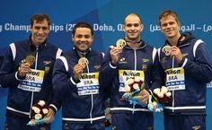 Nicholas fatura prata; revezamento 4 x 50 m livre misto é bronze - 06/12/2014 - Esporte - Folha de S.Paulo