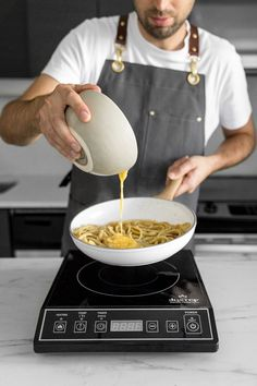 Spaghetti alla Carbonara Recipe - With just a few quality ingredients, our Classic Creamy Carbonara is simple, elegant and guaranteed to make your eyes roll back in pure bliss with every bite. Spaghetti Carbonara Recipe, Spaghetti Recipes, Pasta Recipes, Creamy Spaghetti, Pasta Dinners, Thing 1, Italian Recipes, Italian Foods, Real Food Recipes