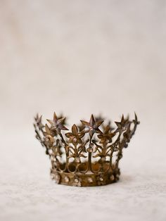 Antique French crown by Elizabeth Messina, (I love her photography). Elizabeth Messina, Invisible Crown, The Crown, Queen Crown, King Queen, Tiaras And Crowns, Crown Jewels, All That Glitters, French Antiques