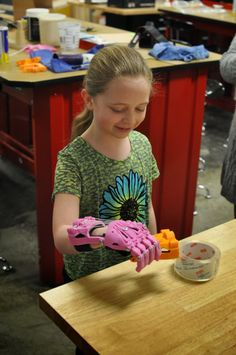 Online community offers 9-year-old girl a helping hand with 3D printing