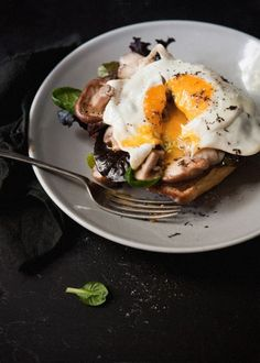 intensefoodcravings:  Truffle fried egg with mushrooms and blue cheese | more FOOD here