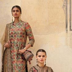 2019 Sabyasachi Charbagh Bridal Lehenga collection has a bunch of traditional red wedding lehengas, some gorgeous destination wedding outfits + lots more. Indian Designer Suits, Indian Suits, Indian Dresses, Shadi Dresses, Ethnic Fashion, Indian Fashion, Sabyasachi Suits, Muslimah Wedding Dress, Hijab Bride