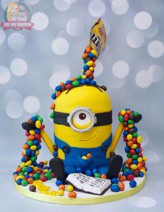 Minion M&Ms Gravity cake