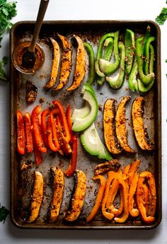 Portobello fajitas with hemp seeds and roasted avocado. Using chipotle in adobo and chipotle pepper Marinated Mushrooms, Stuffed Mushrooms, Stuffed Peppers, Vegetable Dishes, Vegetable Recipes, Vegetarian Recipes, Healthy Recipes, Vegetarian Barbecue, Eating Clean