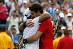 Abrazo de Andy y Del Potro en el partido de despedida US Open