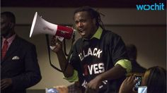 A Black Lives Matter activist who made headlines last year when he leaped through police tape to grab a Confederate flag away from a protester was fatally shot in New Orleans early Tuesday morning. Fight For Freedom, Freedom Of Speech, Confederate Flag, Medical Help, African American History, American Civil War, Viera, How To Know, Civilization