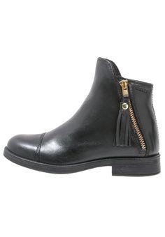¡Consigue este tipo de zapatillas altas de Geox ahora! Haz clic para ver los detalles. Envíos gratis a toda España. Geox AGATA Botines black: Geox AGATA Botines black Zapatos | Material exterior: piel, Material interior: combinación de piel/tela, Suela: fibra sintética, Plantilla: tela | Zapatos ¡Haz tu pedido y disfruta de gastos de enví-o gratuitos! (zapatillas altas, high, high-tops, high top, alta, bota, bota, botas, boot, boots, hohe sneakers, tenis altos, chaussure à talons,...