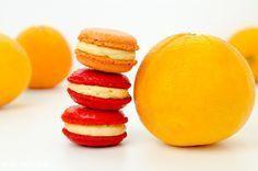 Macarons mit Orangenmousse.