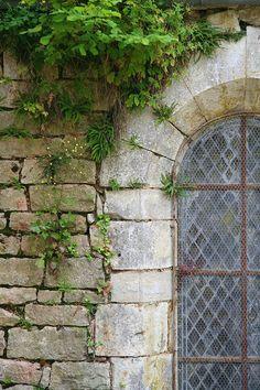 Window - La Bussiere-Sur-Ouche, France