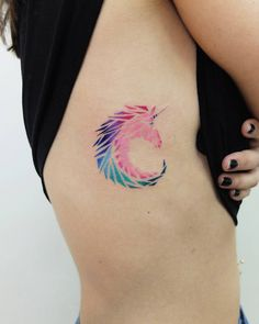 220 отметок «Нравится», 2 комментариев — TATTOO ARTIST & ILLUSTRATOR (@vt_kazantsev) в Instagram: « #unicorn #unicorntattoo #graphictattoo #vetaltattoo»