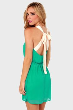 Check it out from Lulus.com! Slow down and take a nice long look at the sweet-as-can-be Honey Dipper Sea Green Dress! Lightweight chiffon falls around a backless silhouette with cream-colored ties dripping into a fascinating bow. Elastic waistband. Dress is lined
