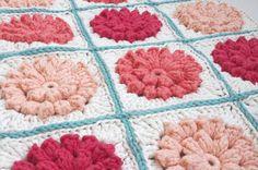 crochet Free Crochet Doily Patterns, Crochet Blocks, Granny Square Crochet Pattern, Crochet Squares, Granny Squares, Free Pattern, Crochet Ideas, Crochet Mandala, Crochet Motif