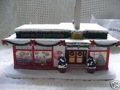 Hawthorne Village Coca Cola Holiday Village Florist 2003 COA Christmas Decor