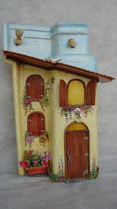 Art and Craft Ideas Clay Fairy House, Fairy Garden Houses, Decoupage, Decorative Bird Houses, Decorative Boxes, Diy And Crafts, Arts And Crafts, Tile Crafts, Clay Fairies
