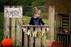 Fall mini session, fall, diy pallet stand, pumpkin stand, halloween mini