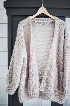 | knit vibes | follow me + my knit vibes board for more hot pins just like this | xox Sophie Kate