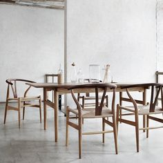 Dining table by Hans J Wegner - CH327 - Carl Hansen & Søn