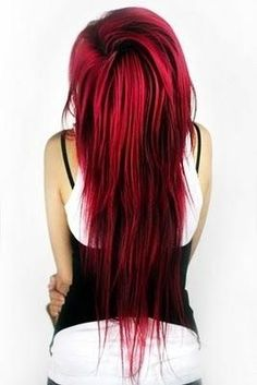 I don't know why I like the extremely red hair look! To bad I could never pull it off!